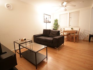 Beautiful 1B Apt near Google HQ w/ own Parking, Mountain View