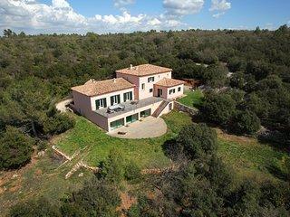 Villa des Cistes, Piscine intérieure, 28° toute l'année !, superbe vue