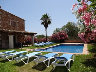 Villa 77 in Campos with private pool and Wifi inte
