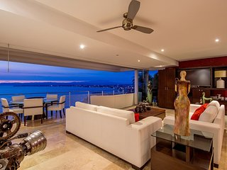 Stunning Penthouse 1 in well sort after Horizon Condominiums Conchas Chinas, Puerto Vallarta