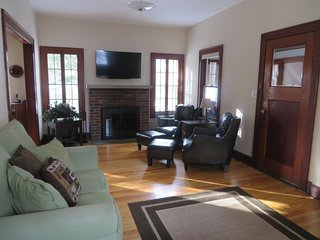Clean, comfortable New England country colonial charm, North Conway