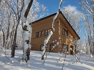 New one-bedroom cottage in secluded forest setting., Niseko-cho