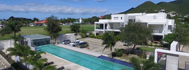 Villa Las Brisas 2 Bedroom SPECIAL OFFER, Cole Bay