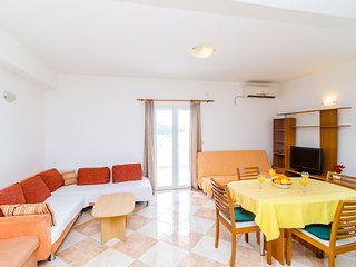 Apartments Šmanjak - Comfort Two Bedrom Apartment with Sea View