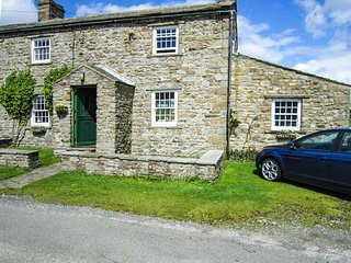 THE OLD MINER'S COTTAGE, terraced, open fire, pet-friendly, in Hurst, Reeth
