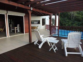 Belle villa neuve de standing avec piscine, Pointe-Noire