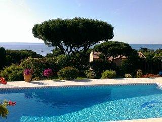 Luxueuse villa 200 m2 pour 6 pers. vue mer panoramique a 300 m de la plage