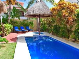 Popular ground level suite, easy access to the pool, bbq & lounge area.