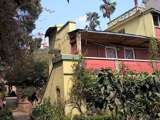 Sunny, cozy and authentic little house, Kathmandu