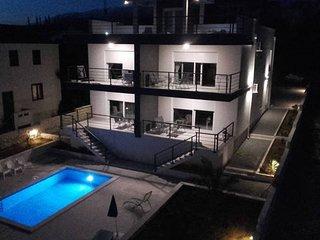 Olivia 4 luxury apartment with a pool for 4 people, Novalja