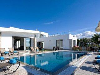 Grande Villa - Stunning 5 bedroom villa, Coral bay, Peyia