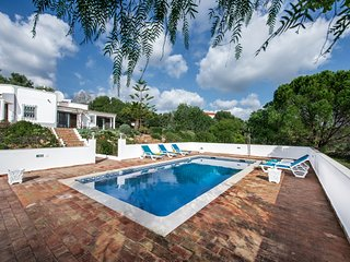 Villa Susana~Sleeps 6~Private Pool~Air Con and Wi-fi