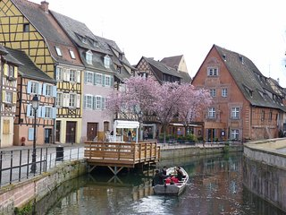 Top Heart Little Venice Colmar old Town gite meuble , 8P, TV, Wifi,internet,cosy