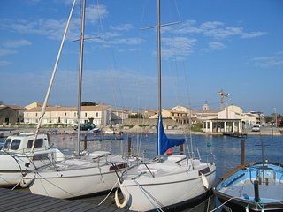 Maison Marseillan - sea view. One week left in July and August