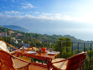 Cosy with a breathtaking view in Calella de Palafrugell