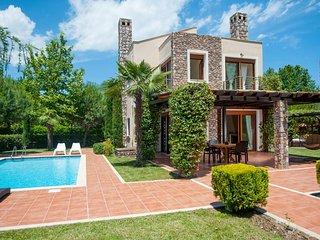 """Villa KYMO"" at OLYMPUS VILLAS, Paralia Panteleimonos"
