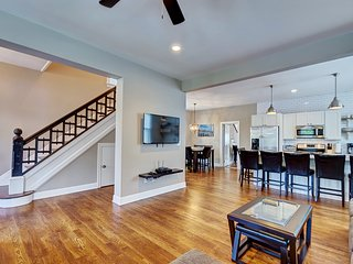 6 BEDROOM BEACH HOUSE IN ASBURY PARK, Asbury Park