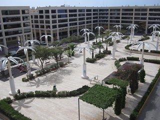 LUX.APPARTEMENT PLEIN CENTRE, 3 CHAMBRES, 2 S.D.B, Parking, a 200 m DE LA MER.4G