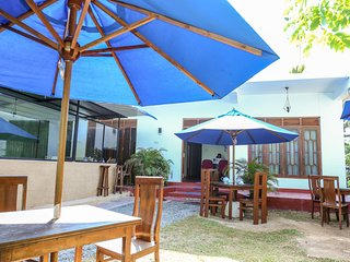Mirissa Inn - Restaurant and Apartments