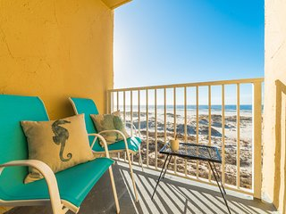 Beachfront Gulf Views!!! Adorable Corner Unit!!! Surreal Sunsets!!!