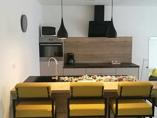NEW 4* apartment/ perfect location/free parking, Zagreb