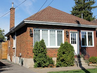 3 Bedroom family home in Westdale available by week or month