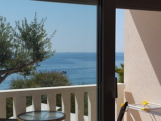 Luxury beach apartment Ivan Dolac-Hvar