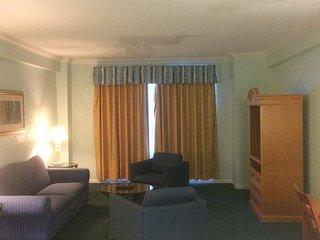 Hollywood Beach Resort-One Bedroom Sleeps 6