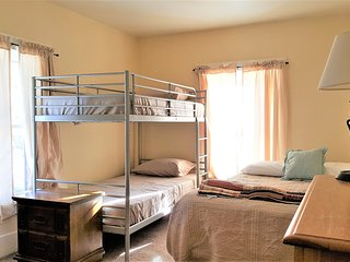 Bunk+Brew Historic Lucas House Private Hybrid Room 3, Bend
