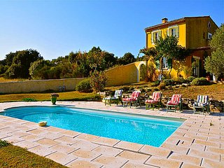 Villa 6p in St-Martin-de-Castillon, Luberon, private pool