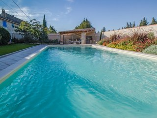 Superb landhouse in St-Rémy-de-Provence for 10p. private pool