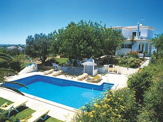 Holiday villa with private pool walking distance to the beaches/town center