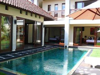 3 BDR Nearby Finn's Beach Club Villa Citra Bali, Canggu
