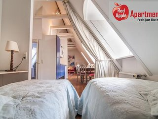 Top Floor Central Apartment In Historical Building - 4886, Copenhagen