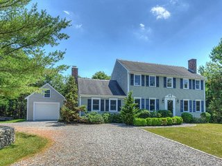 BEAUTIFUL Four Bedroom w/ Barnstable BEACH PASS! 132697