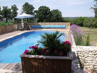 La Grange Terrou Maison de la Chasse +private pool, Confolens
