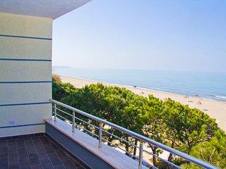Beachfront 2nd Floor, 180° Seaview + Pool, Golem