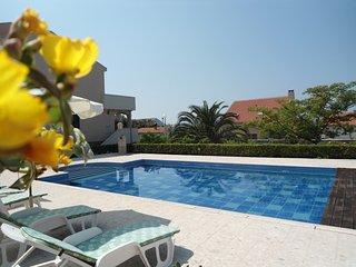 Luxury Apartment in Villa Hacienda, pool, breakfast, sea view, Kozino