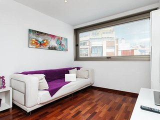 Lovely 2 Bedroom near Camp Nou & Metro!