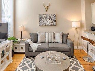 Beautiful loft with modern upgrades makes a great urban getaway!, Savannah