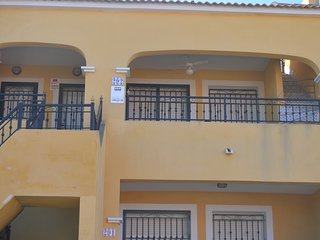 First floor 2 bed apartment, English Tv, WiFi ,Quiet Location, Shared Pool, Los Montesinos