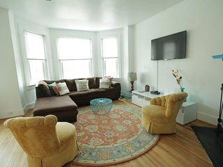 Beautiful & Large Apt. in DC/Mt. Pleasant - Metro, Washington DC