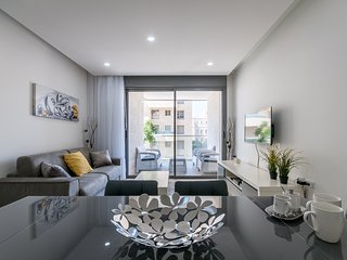 New 2 Bedroom with Terrace - Center, Jeruzalem