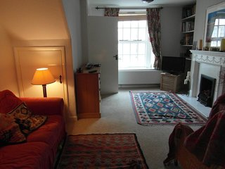 Cariad Cottage is a cosy cottage in the centre of Hay, handy for everything.