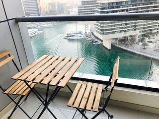 1BR Modern Apartment in Dubai Marina Heart