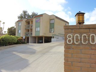 Elegant Furnished 2 Bedroom Condo, La Mesa