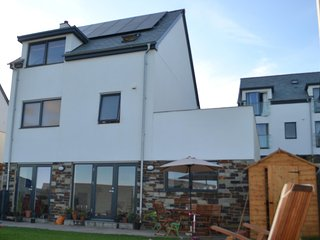 Perranporth - Spacious 4 Bed House