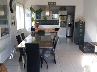 Beau duplex 120 m² très confortable, vue mer, 2 chambres, jardin, terrasses, Palavas-les-Flots