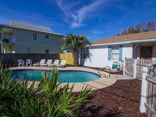 4 bedroom private pool 2 blocks to beach Golf Cart, Miramar Beach