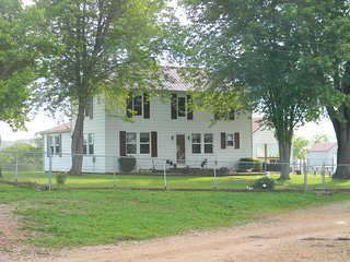 Kick'n K Farmhouse, Steelville
